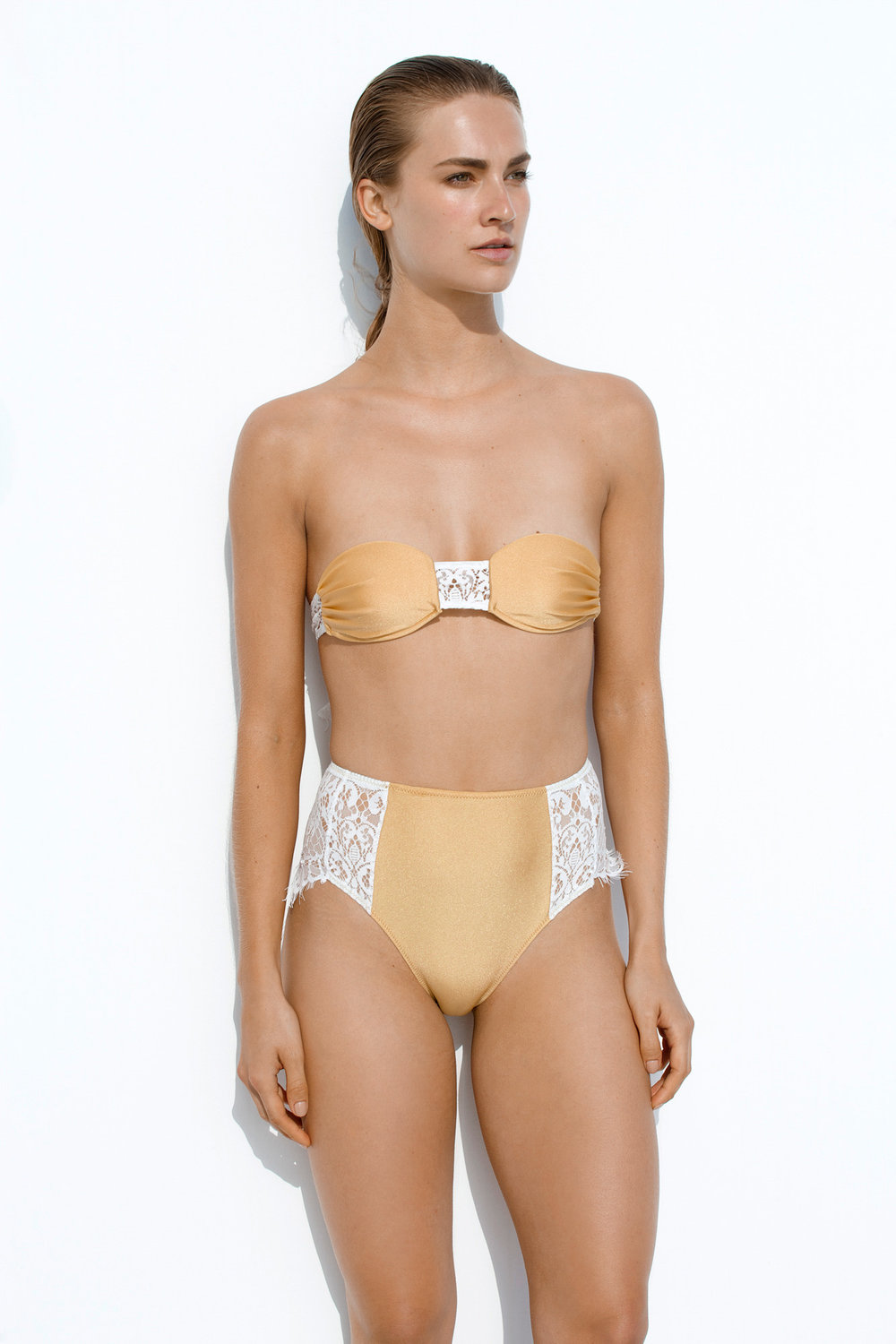 Cap-pas-Cap Gold High waisted high rise above the hip cut and bandeau with lace cut a DIDA SS17.jpg