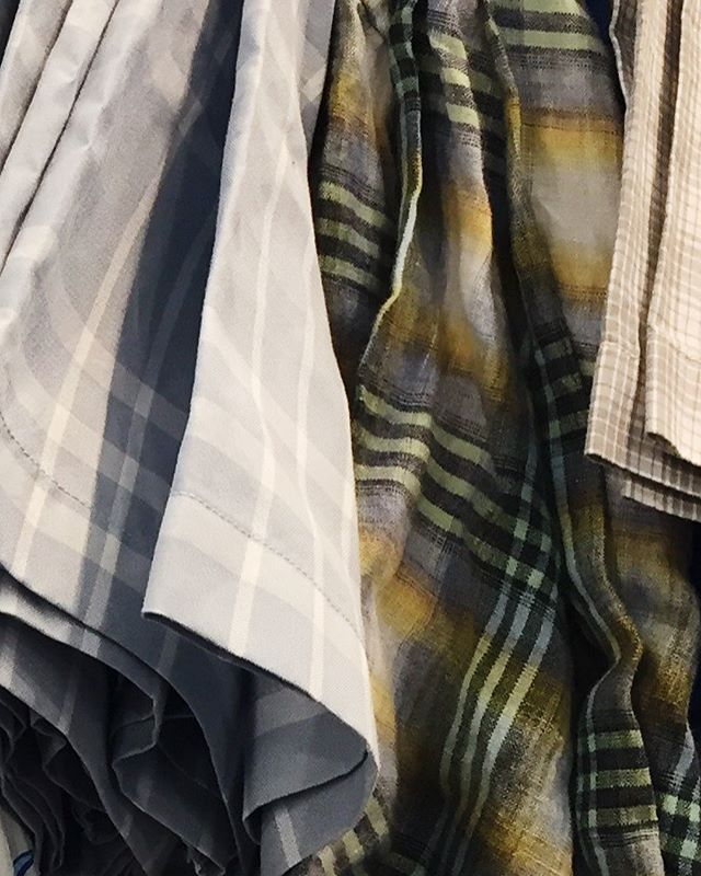 Summer cuts, summer textures, killer prices. Join us at our #stevenalansamplesale at Industry City this Friday, 4/13, 10AM-6PM & Saturday, 4/14, 10AM-2PM for up to 75% off. Location | 52 35th Street, 2-A Brooklyn, NY Building 5. Sorry, no cash! All sales final. #samplesale #nyc #brooklyn #stevenalan