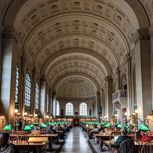 No #SAFieldTrip would be complete without the #StevenAlanBoston team's favorite neighborhood spots. Follow along as we show you around the block! . #Boston #BostonPublicLibrary #StevenAlan #InOurNeighborhood #BackBay