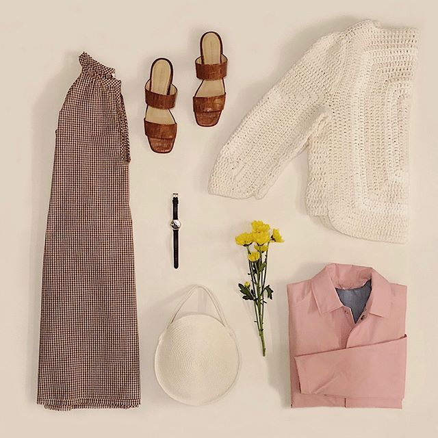 Your go-to spring outfit. Open-toed shoes, handmade rope bag, lightweight dress, and the proper layering pieces for when spring isn't acting like spring. . #stevenalantribeca #SAfieldtrip #StevenAlan #rains #flowers #spring #newyork #caroncallahan #mariguidicelli #catzorange #frenchette #nyc