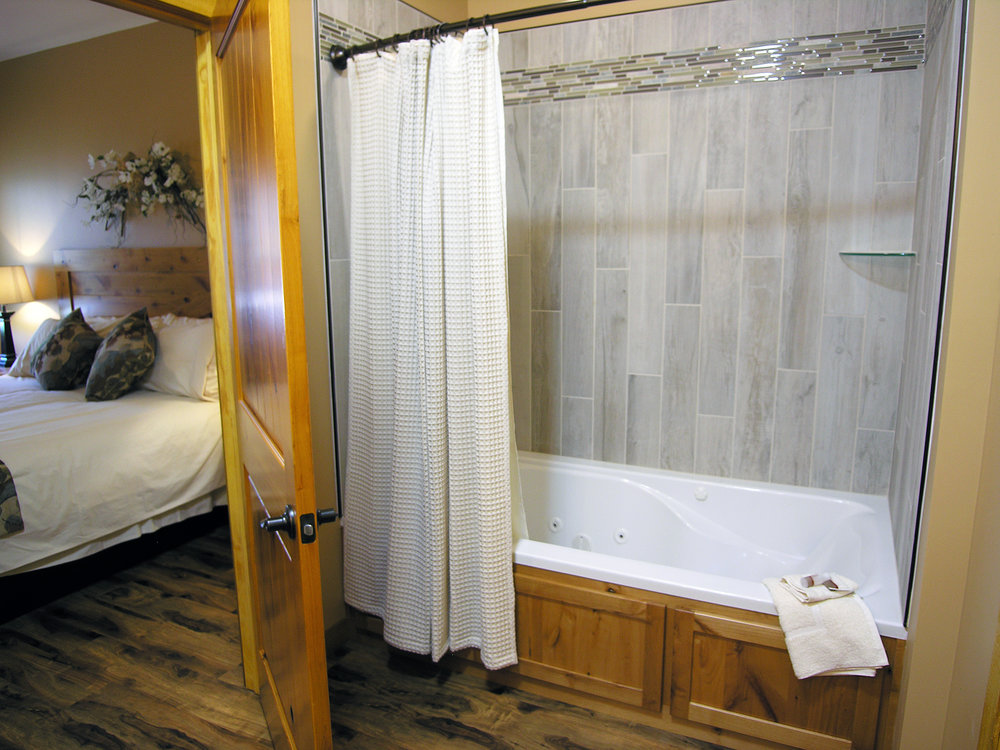 Winery Suite 1 full bathroom