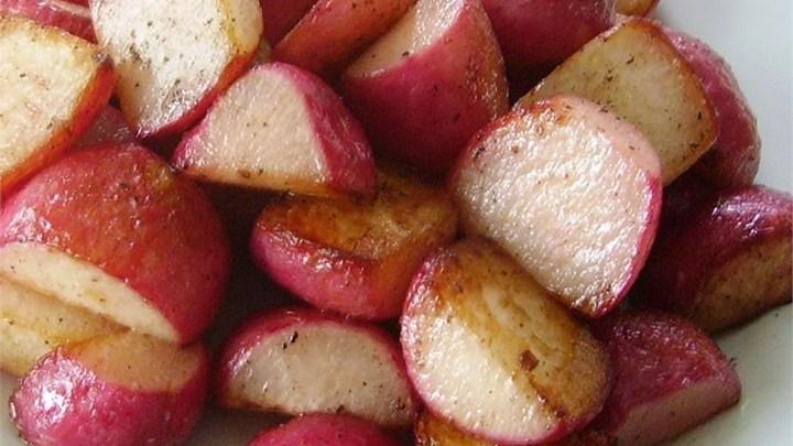 cut red radish