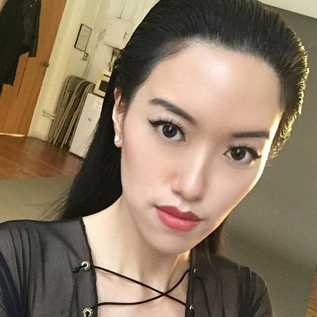 Kae Kae Qi . Behind the scenes selfie at photoshoot for  Ellements Magazine
