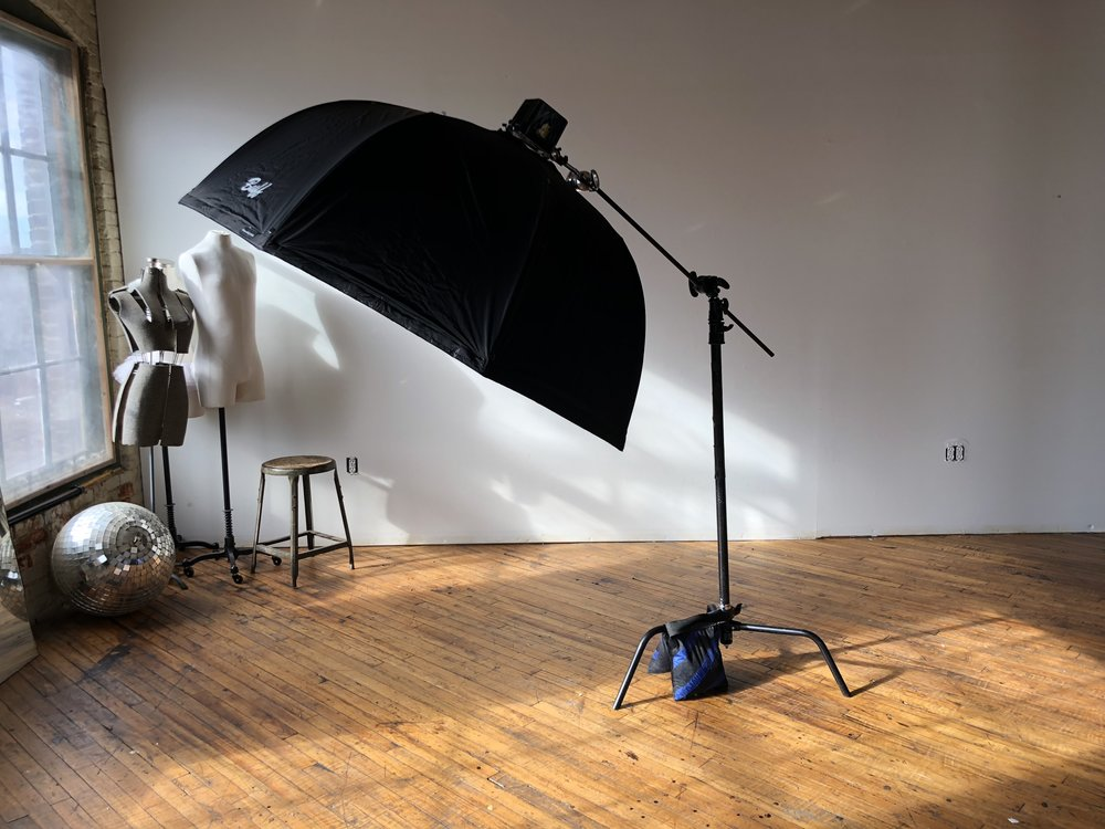 HNNNG. - As your light angles toward your subject,the C-stand arm should get TIGHTER.