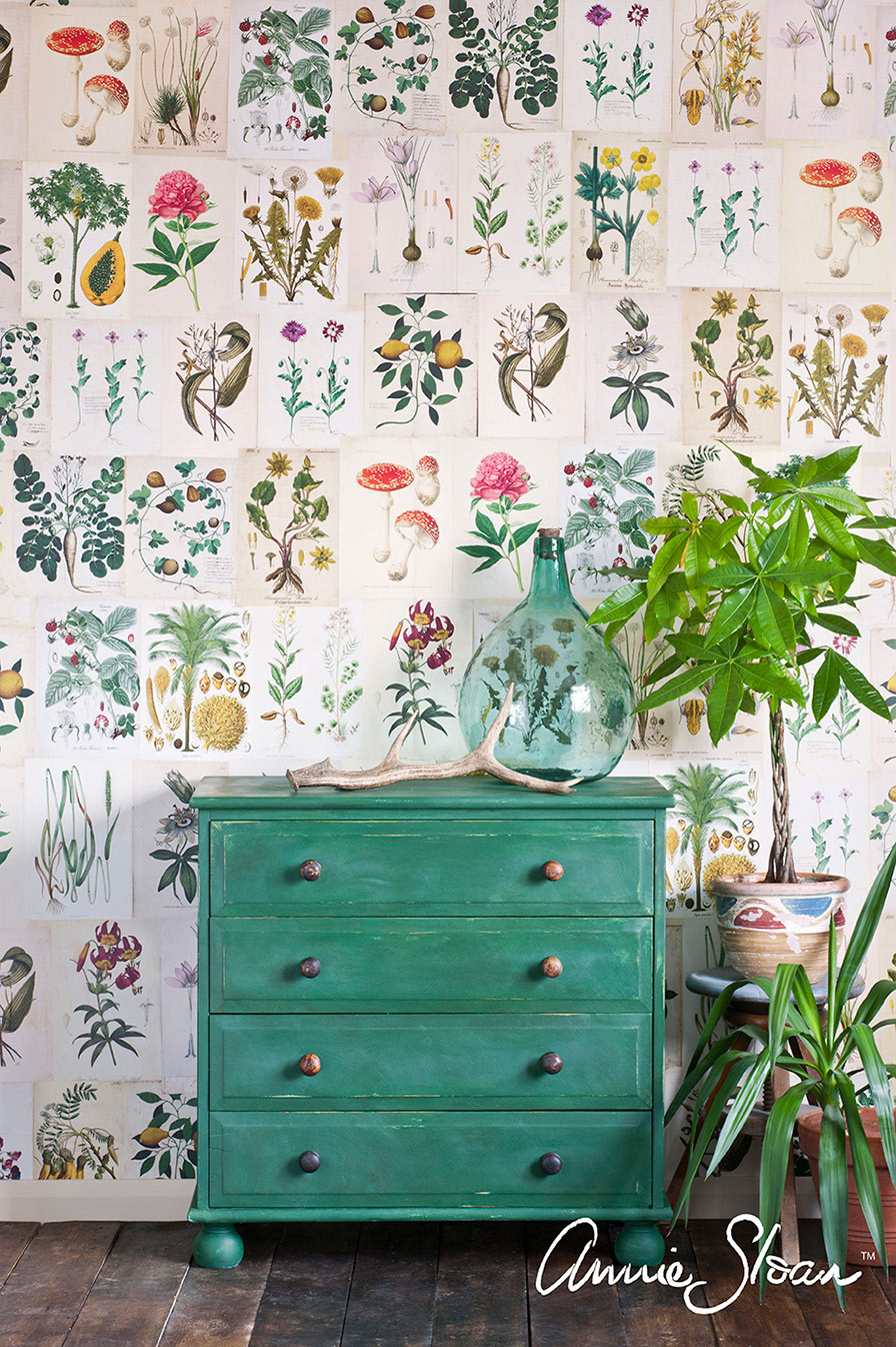 Dresser painted in Amsterdam Green. Image via  Annie Sloan .