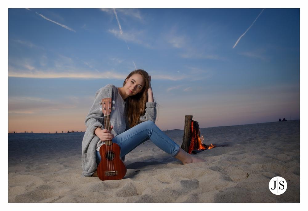 senior-portraits-assateague-maryland-beach-music-bonfire-photo 10.jpg