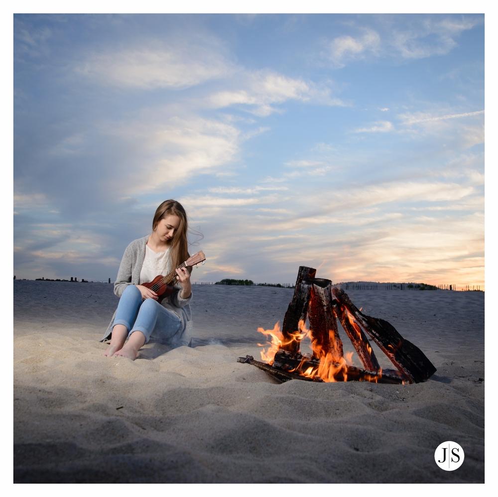 senior-portraits-assateague-maryland-beach-music-bonfire-photo 9.jpg