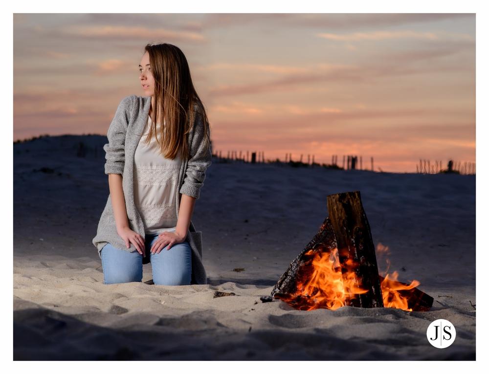 senior-portraits-assateague-maryland-beach-music-bonfire-photo 12.jpg