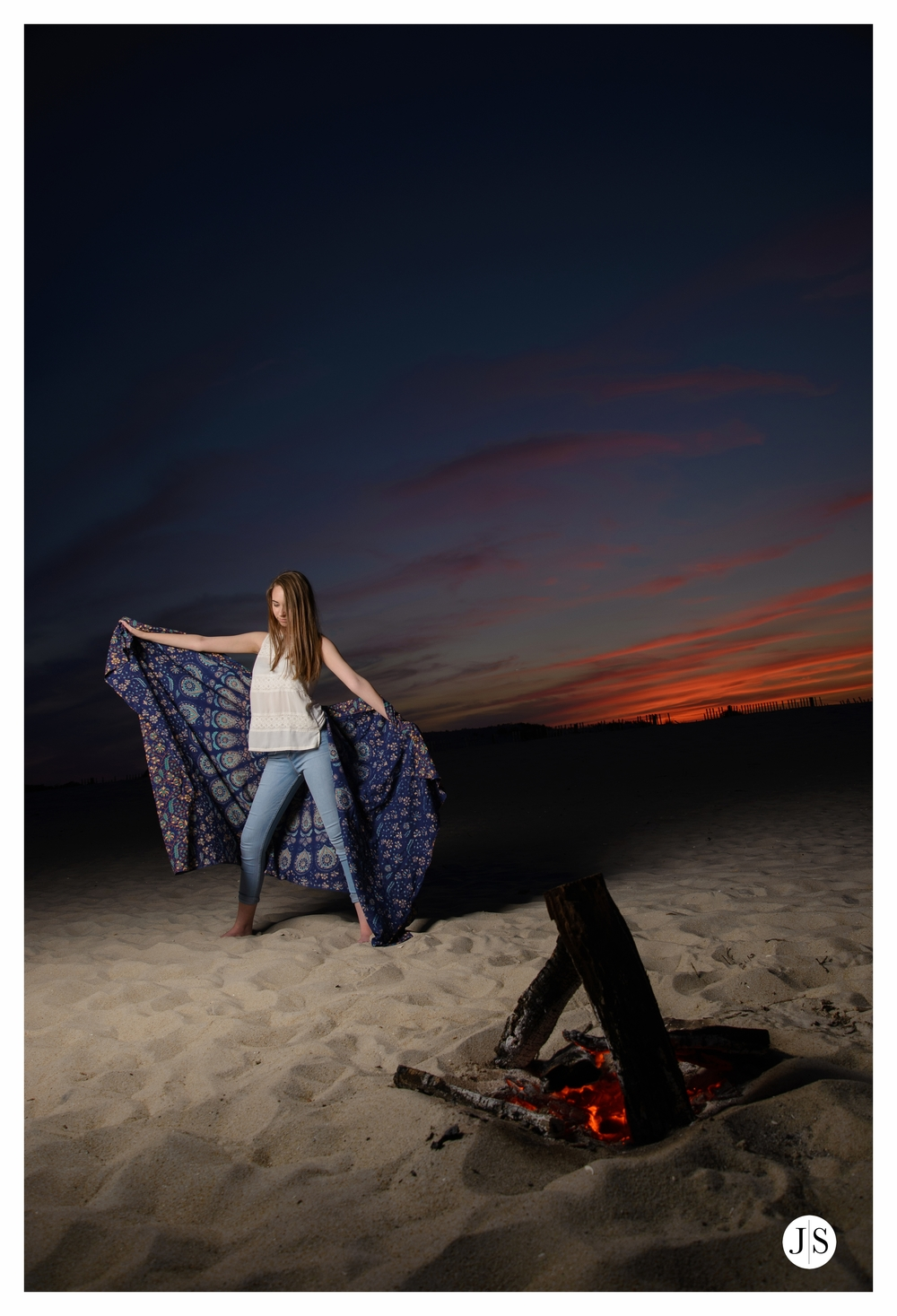 senior-portraits-assateague-maryland-beach-music-bonfire-photo 15.jpg