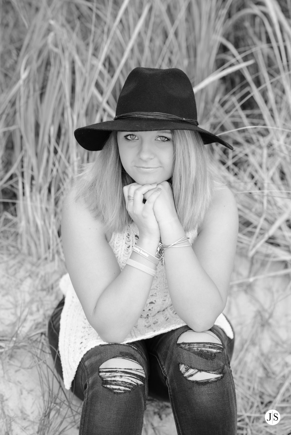 senior-portraits-beach-sunset-salisbury-music-singer-guitar-hat-maryland-photo 8.jpg