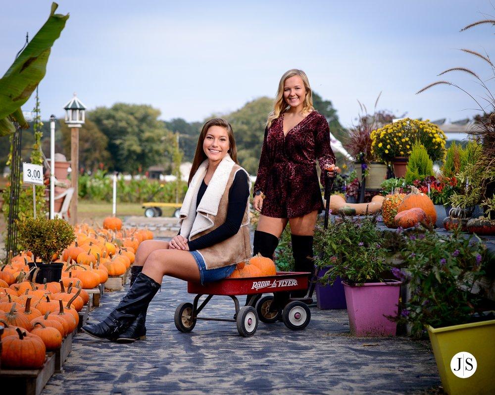 senior-portrait-pumpkins-maryland-adkins-farm-fall-portraits-modelreps-photo 6.jpg