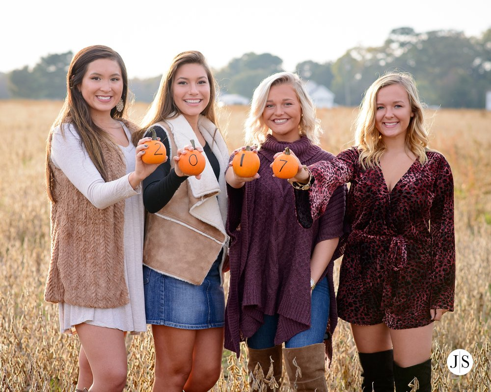 senior-portrait-pumpkins-maryland-adkins-farm-fall-portraits-modelreps-photo 11.jpg