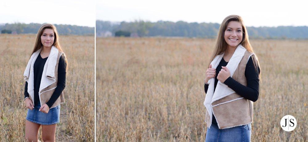 senior-portrait-pumpkins-maryland-adkins-farm-fall-portraits-modelreps-photo 14.jpg