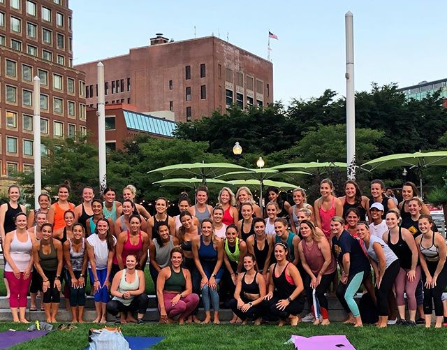 One of our favorite parts of PWP events: so many new faces each and every time! Such a fun and committed group of women at last night's @rosekennedygreenway event with @karaduvalpilates to benefit the @greghillfoundation! Our hearts are full (and our glutes are sore 😣). Wishing you all a wonderful weekend! We'll see you soon!