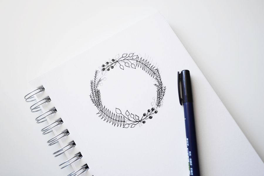 How to Draw a Basic Wreath @DrawntoDIY