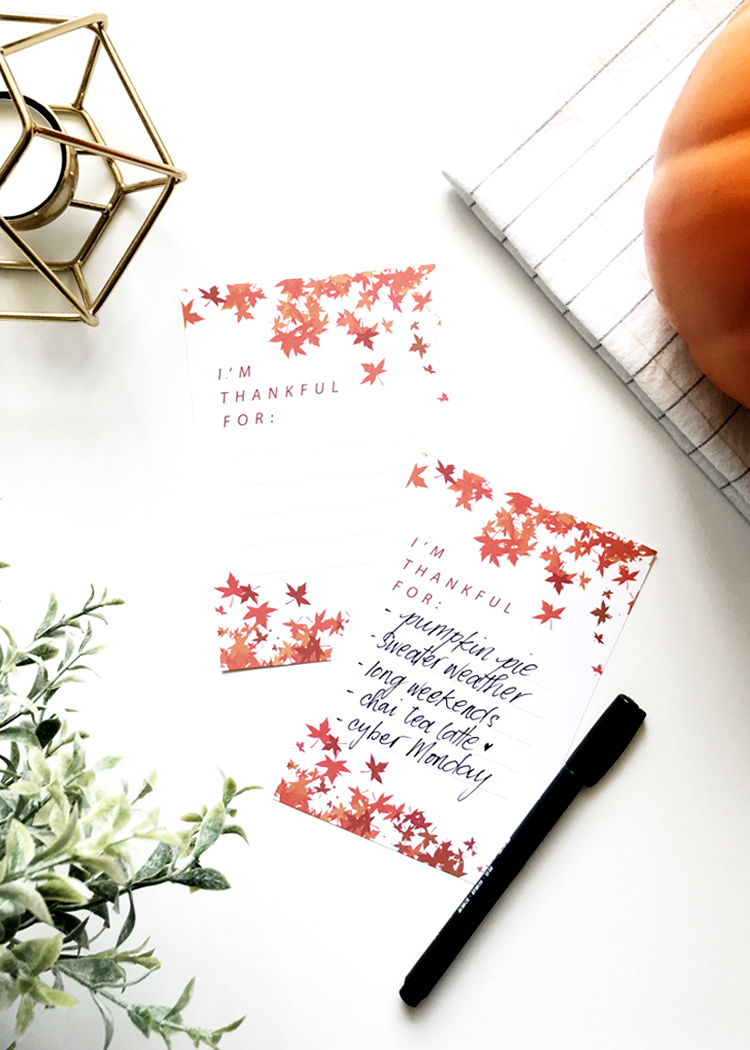 Free Seasonal Holiday Thanksgiving Printables @DrawntoDIY