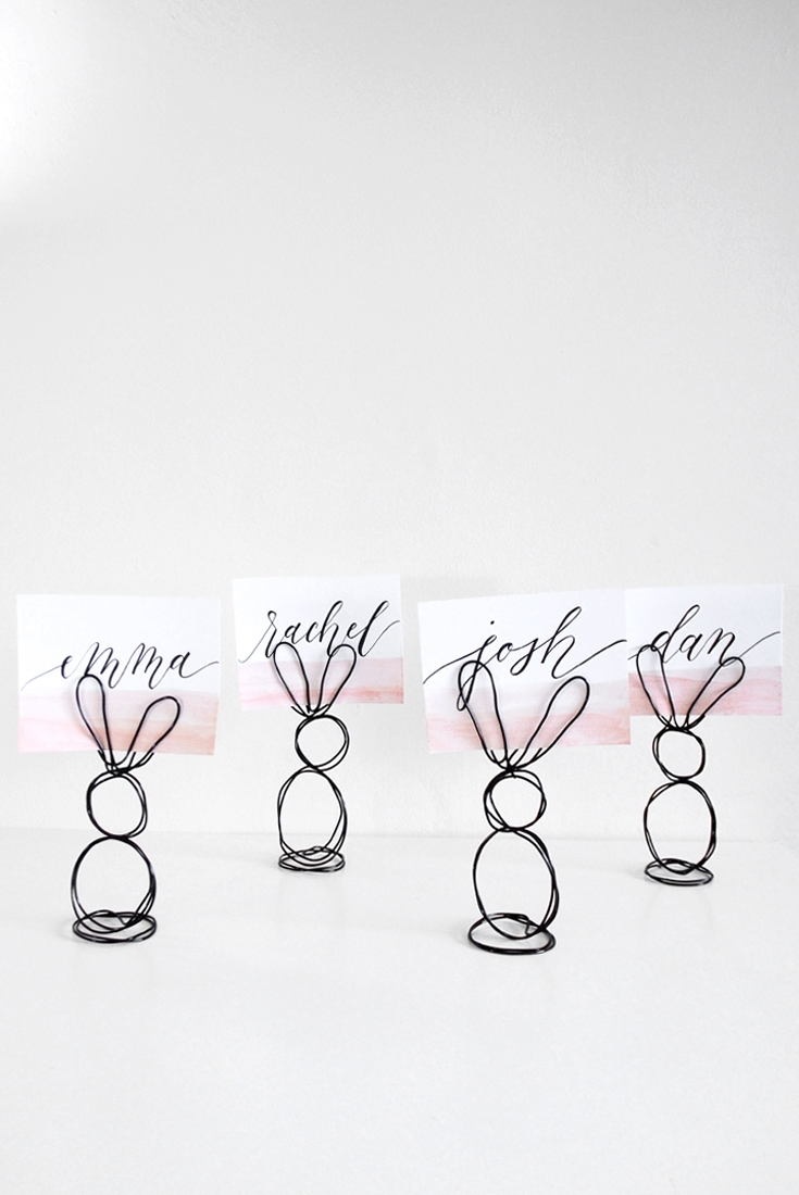 DIY Wire Bunny Place Card Holder | @DrawntoDIY