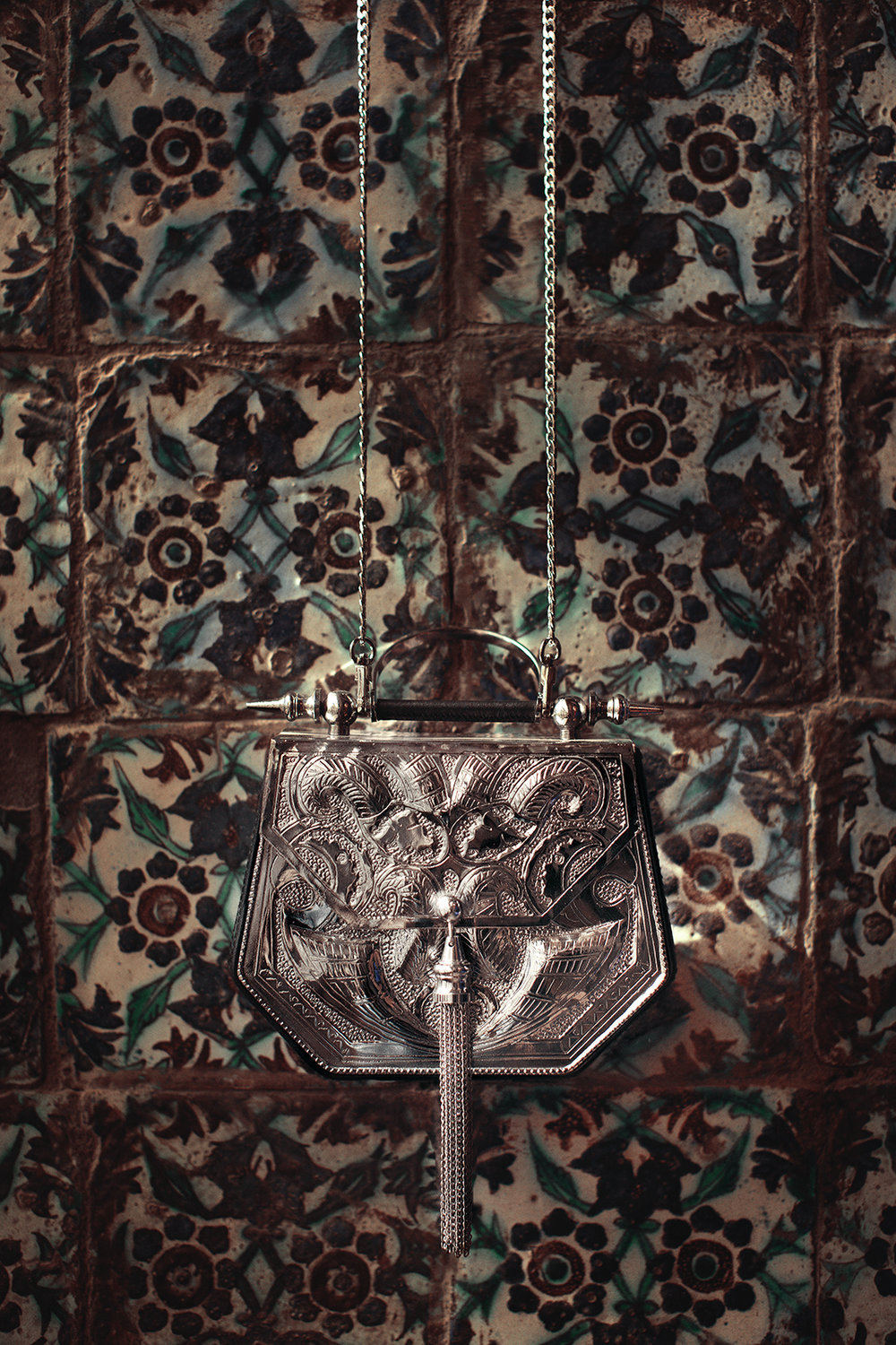 Published in Vogue Arabia Silver Hexagone Minaudiere : Okhtein SS17 Production: Maison Pyramide Photography and Art Direction: Bassam Allam Location: Beit Al Suhaimy, Cairo, Egypt