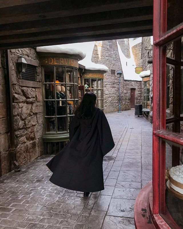 Had some v important errands to run at Hogsmeade today ✨