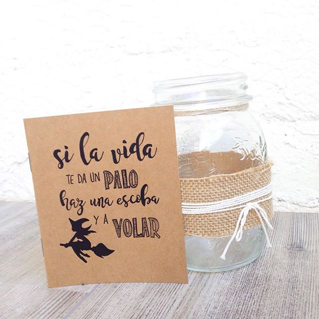 Quieres hacer un regalo personal y especial? En con cariño y en papel hacemos tus libretas kraft personalizadas. Con un nombre o una frase bonita!  #regalospersonalizados #regalosbonitos #montecarmelo #madrid #tiendasbonitas #scrapbooking