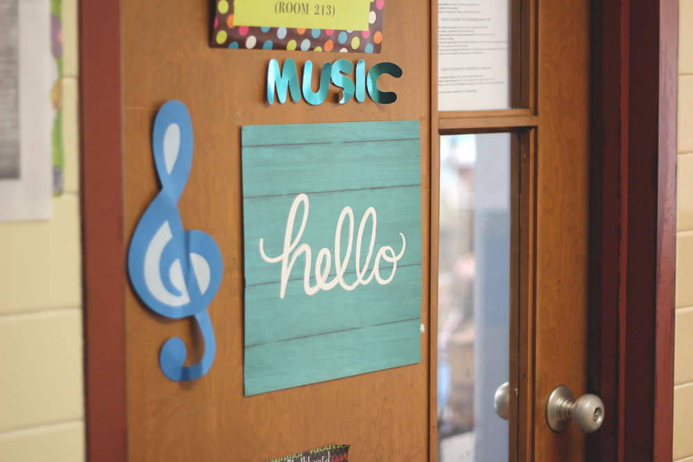 holly avenue designs st. james catholic school photography photo shoot music hello classroom