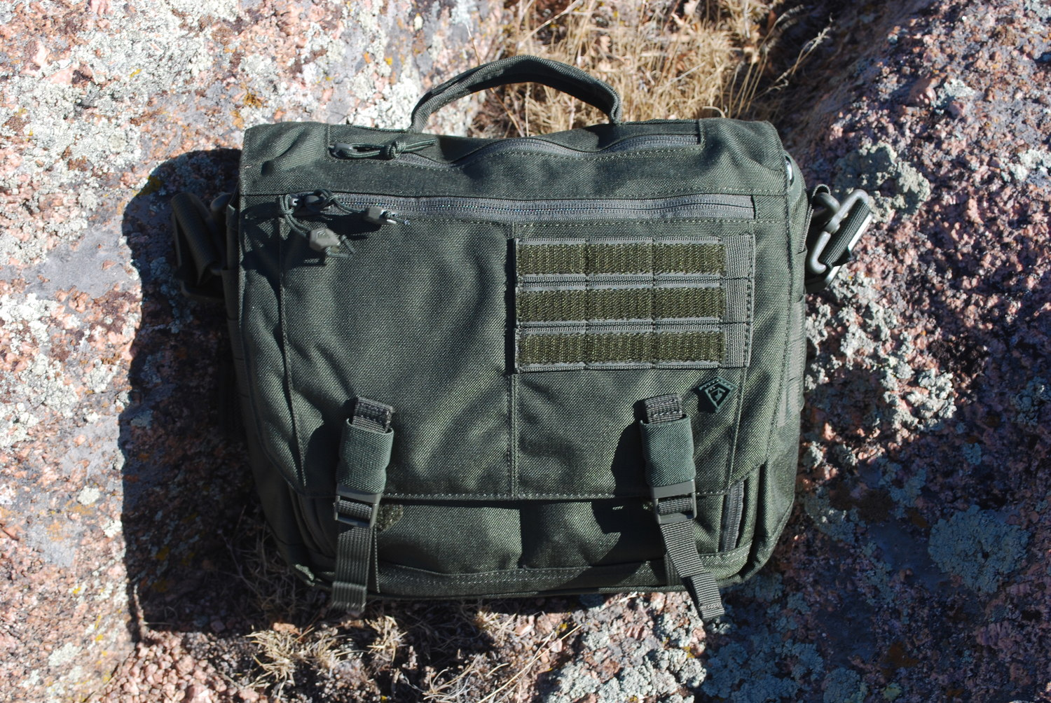 8ce58fc3fd12 Review  First Tactical Summit Side Satchel — the equipped