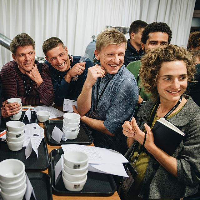 👀 Look, registration is now open for Coffee Roasters Camp 2018! Camp is heading to Portugal 10 - 13 October 2018. Grab an early bird ticket through to 26 July at crgcamp.coffee! . . . #crgcamp #roaster #roastercommunity
