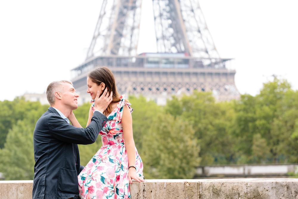 Photographer in Paris Kiss Bir Hakeim IheartParisfr