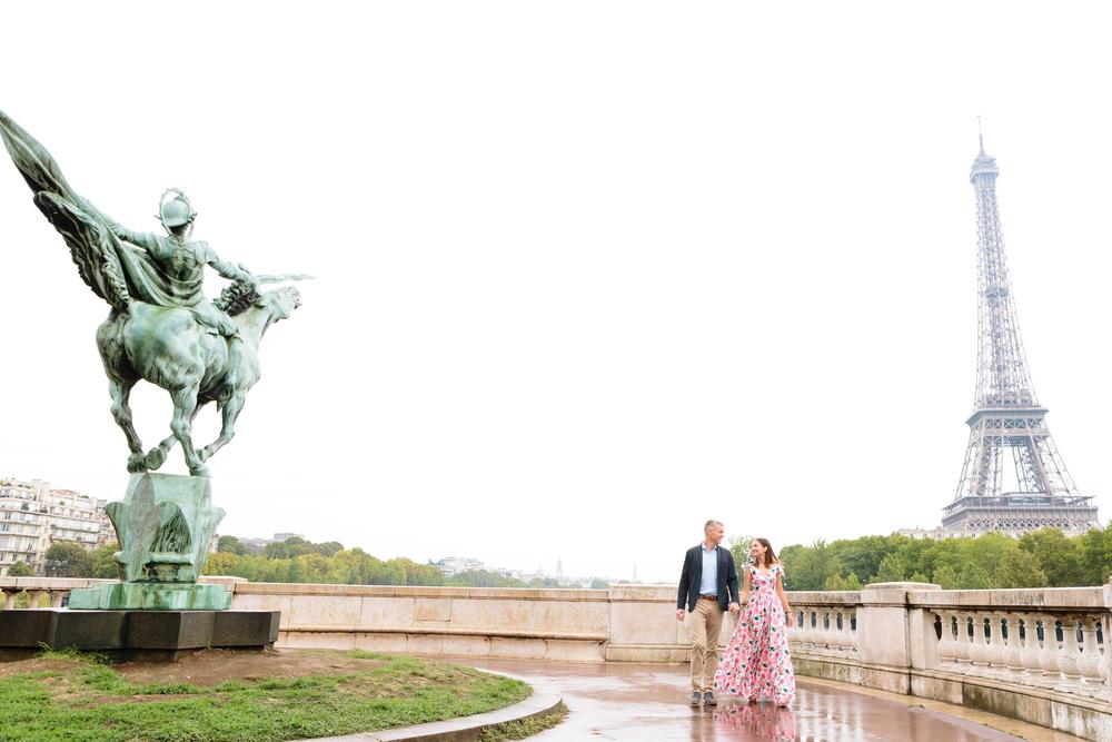 Paris Photographer Couple Bir Hakeim Rain IheartParisfr