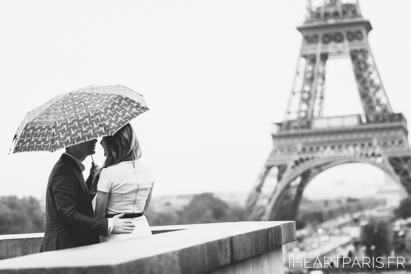 Photographer in Paris Engagement Umbrella Eiffel Tower