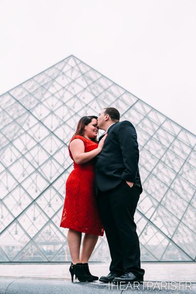 Paris Engagement Session Kiss Pyramid Louvre IheartParisfr