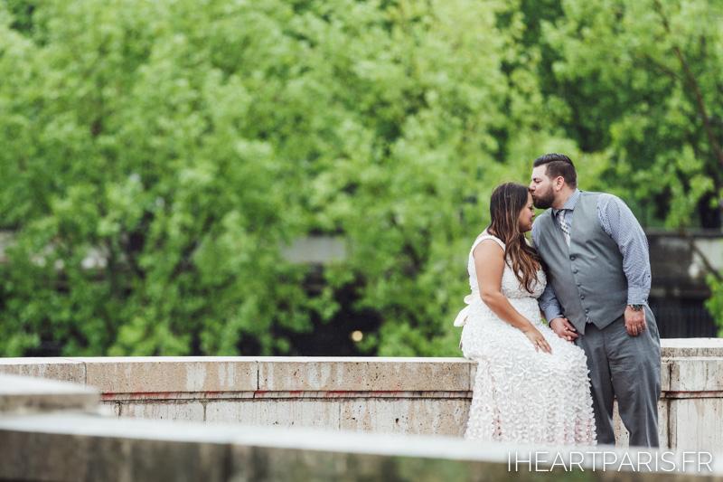 Paris Wedding Photographer, Parisian Elopement, Paris Photographer, Kiss, Bir Hakeim, IheartParisfr