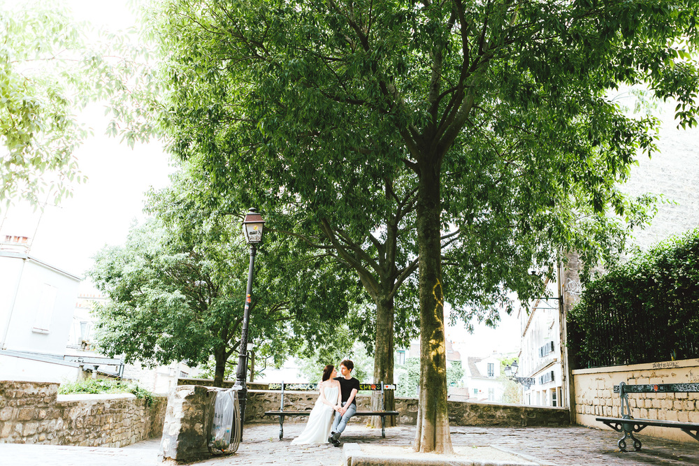 Paris-Photographer-Montmartre-Lovestory-iheartparisfr.jpg