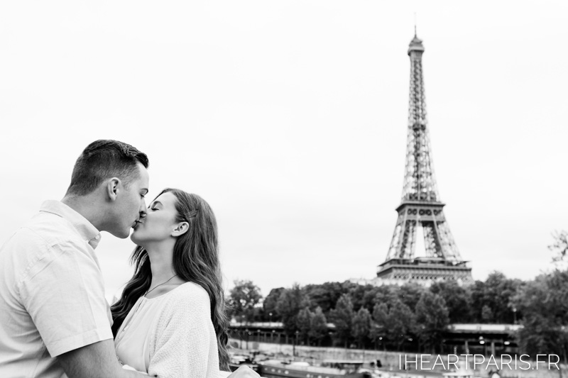 Photographer in Paris, Couple Photoshoot, Eiffel Tower, kissing, iheartparisfr