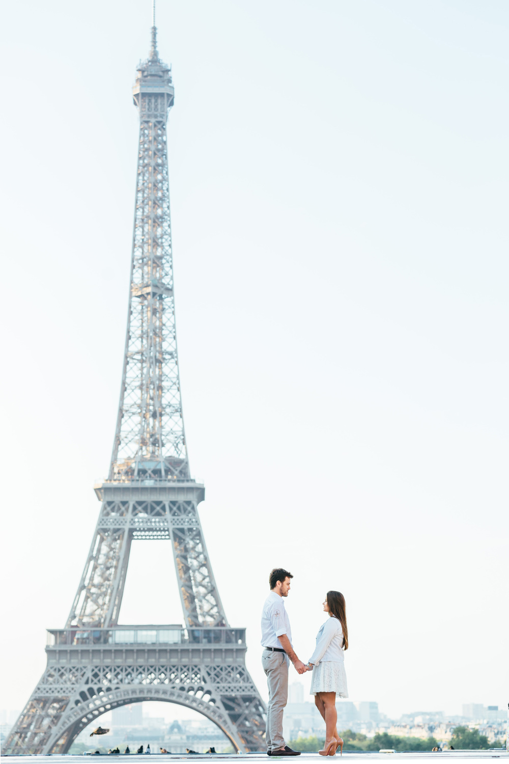 Photographer in Paris Eiffel Tower Couple session Trocadero Lovestory Iheartparisfr