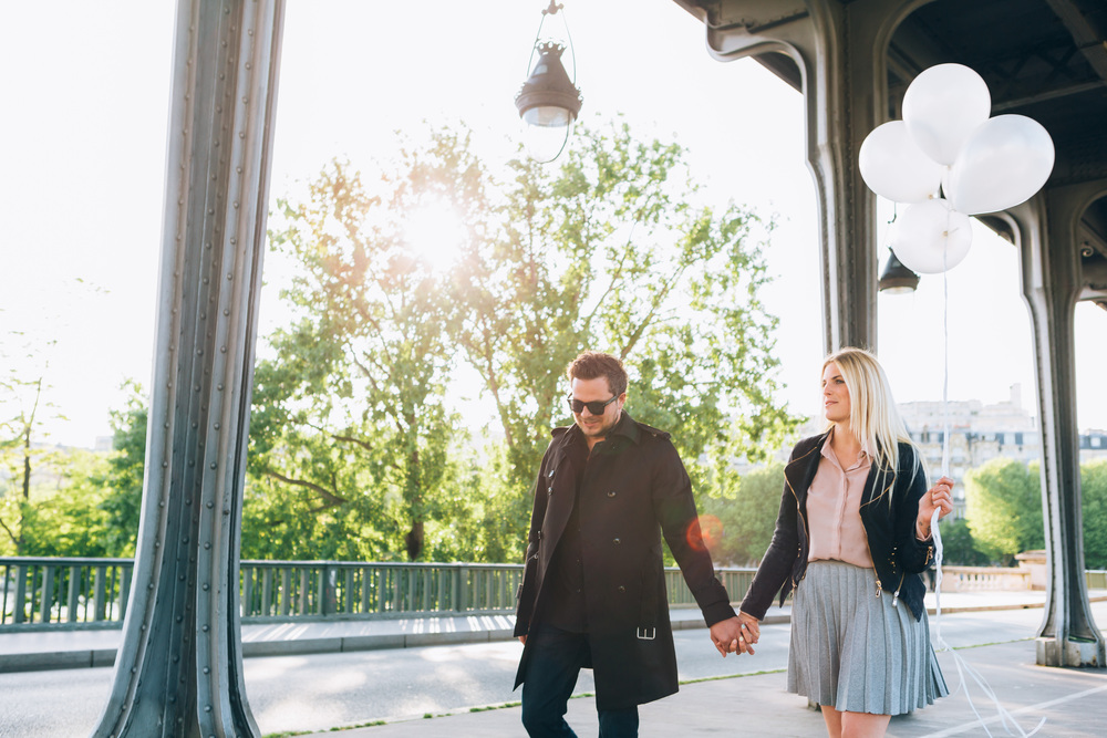 Paris Photographer, Surprise Proposal, Bir Hakeim, Balloons, Engagement, Iheartparisfr
