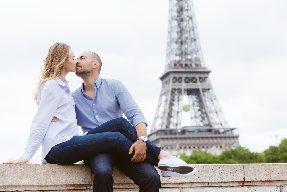 Photographer in Paris, Bir Hakeim, Couple Session, Eiffel Tower, Iheartparisfr