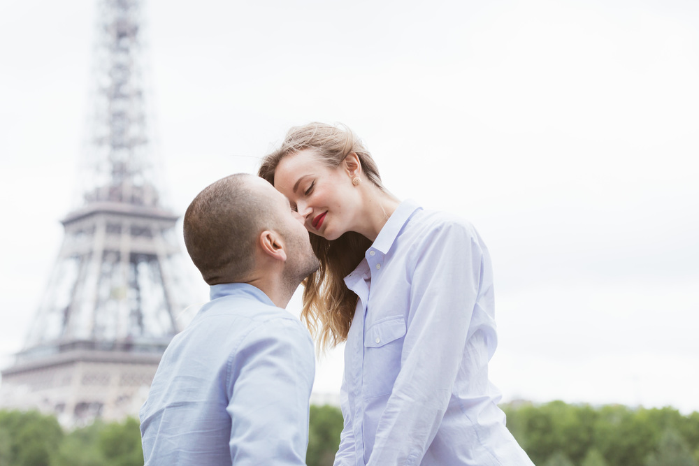 Paris Photographer Couple Session Eiffel Tower Bir Hakeim Lovebirds Iheartparisfr