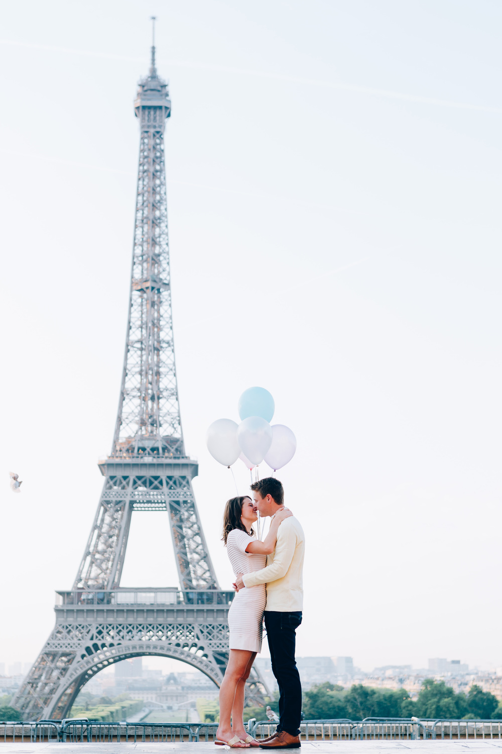 Paris-Photographer-Eiffel-Tower-Surprise-Proposal-Pigeons-Kiss-Iheartparisfr.jpg