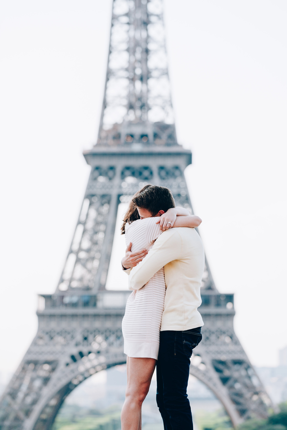 Photographer-in-Paris-Eiffel-Tower-Surprise-Proposal-SheSaidYes-Iheartparisfr.jpg
