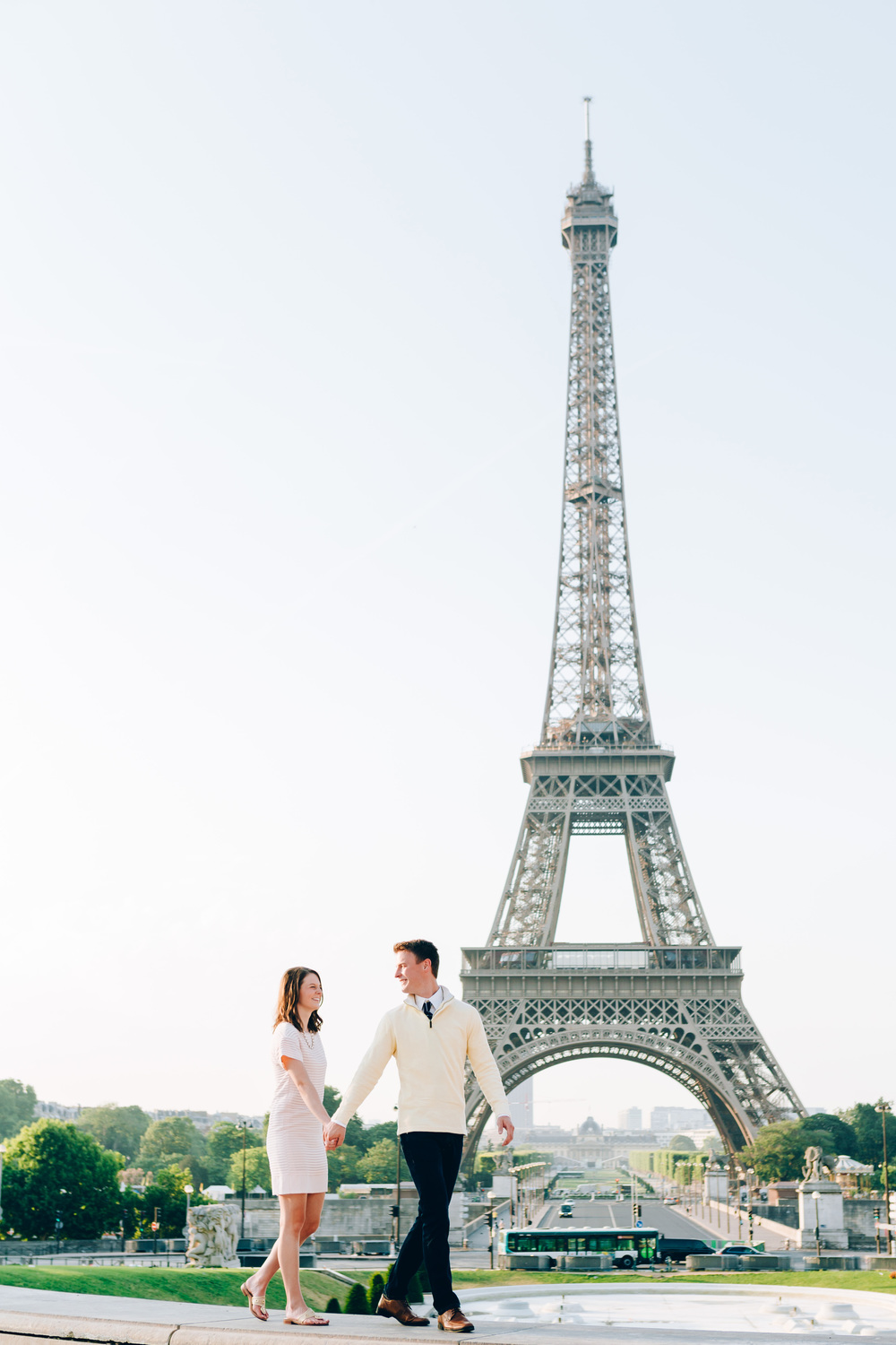 Paris-Photographer-Eiffel-Tower-Propose-in-Paris-Iheartparisfr.jpg