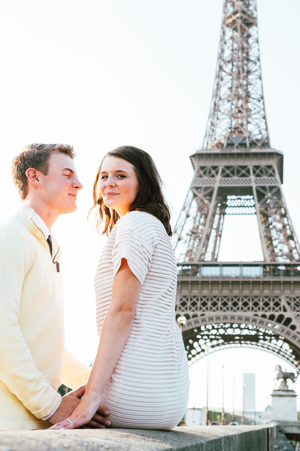 Photographer-In-Paris-Eiffel-Tower-Lovestory-Bridge-Iheartparisfr.jpg