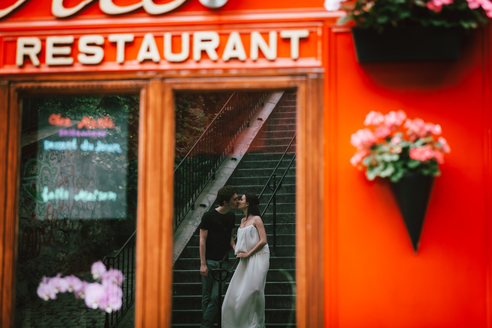Paris Photographer, Montmartre, Lovestory, France, restaurant, iheartparisfr