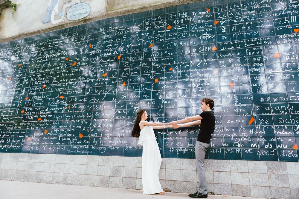 Photographer in Paris, Montmartre, Lovestory, wall of love, iheartparisfr