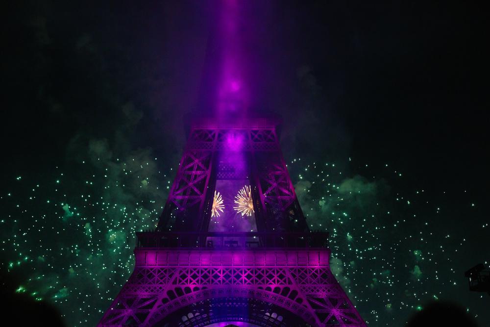 Photographer in Paris, 14 juillet, Fireworks, Bastille2015, Eiffel Tower, Iheartparisfr