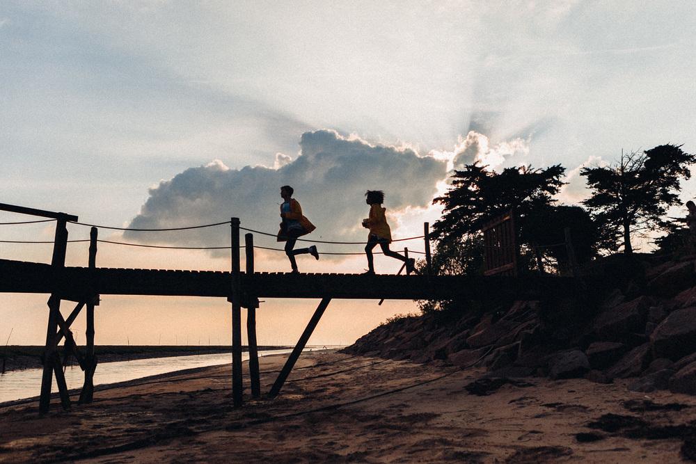 Paris Photographer, Lovestory, clouds, run, iheartparisfr