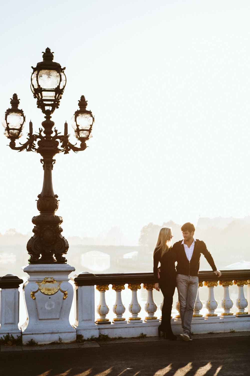 Paris Photographer Lovestory Autumn Pont Alexandre III sunrise