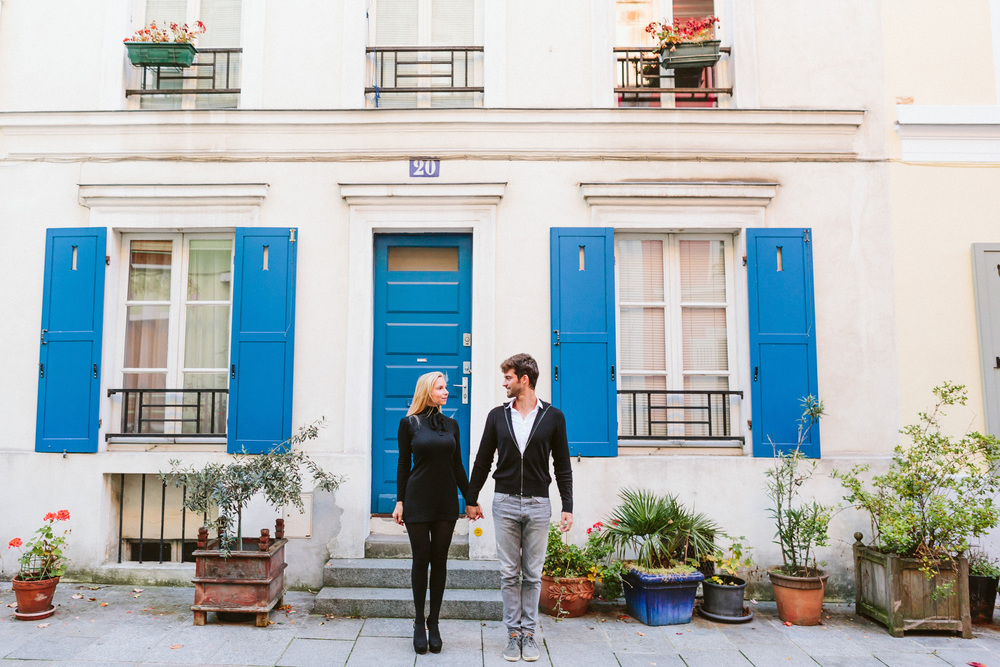 Paris Photographer Lovestory rue cremieux Paris Photographer Lovestory rue cremieux street