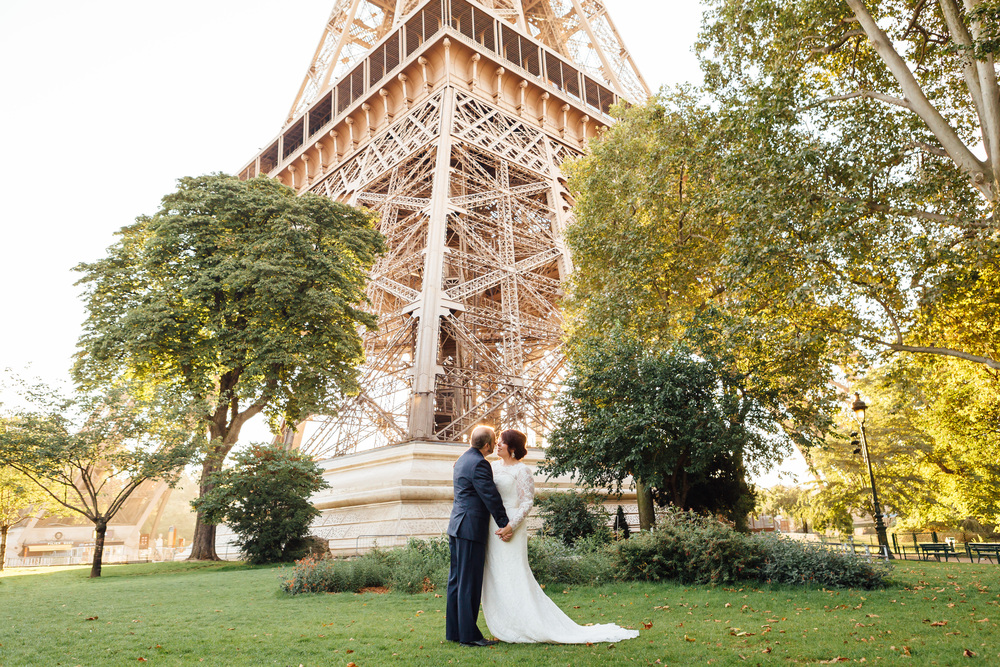 paris photographer wedding elopement couple under the eiffel tower