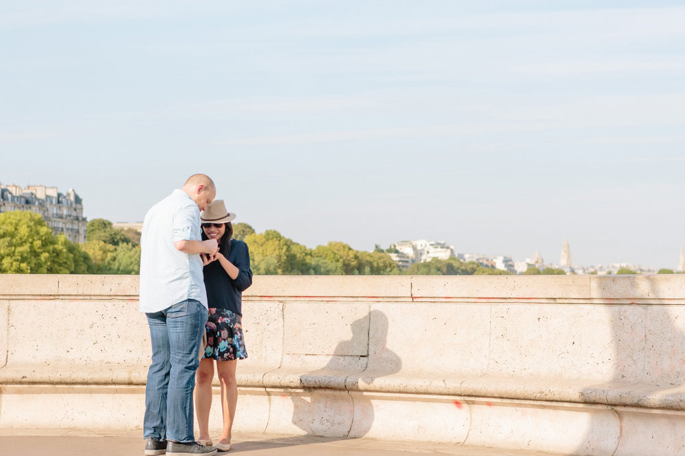 paris photographer surprise proposal bir hakeim